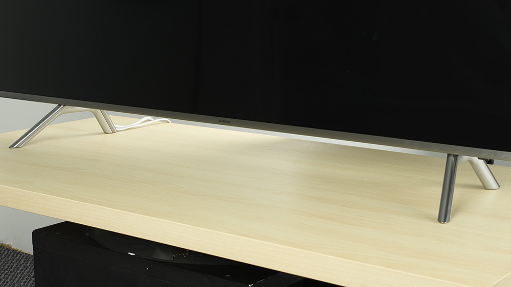 SAMSUNG UN55MU8000 stand