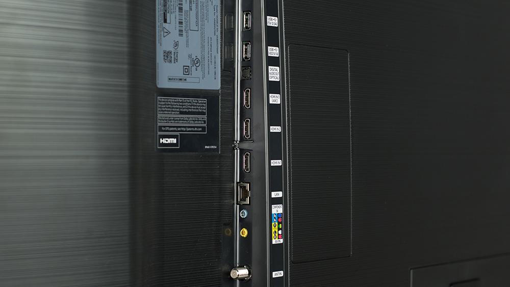 SAMSUNG MU7000 connectors
