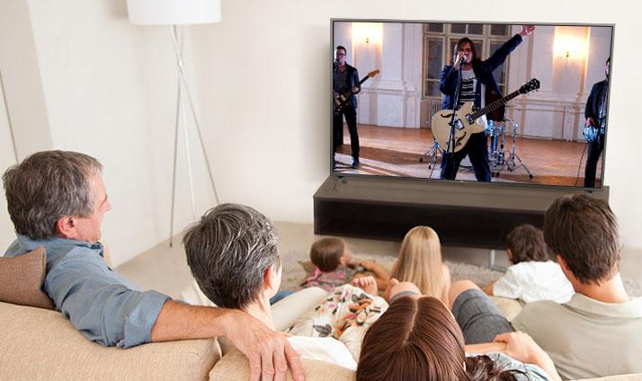 LG UN7300 Review (2020 4K UHD LCD TV)